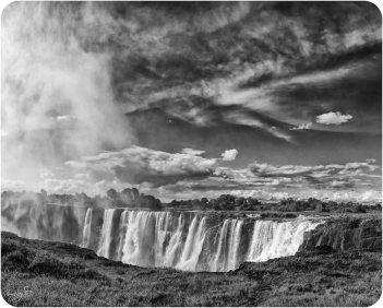 Victoria Falls BW 4 Main Falls