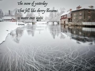 The snow of yesterday on the Faluån - Gozan's classic haiku